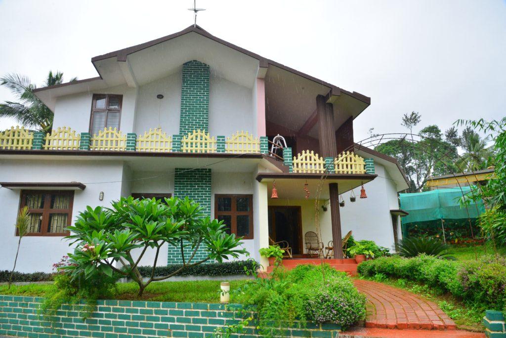 Estate stay in Pachat Village near Ammathi
